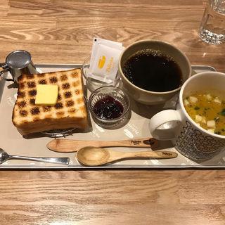 炭焼きトースト(ペリカンカフェ)
