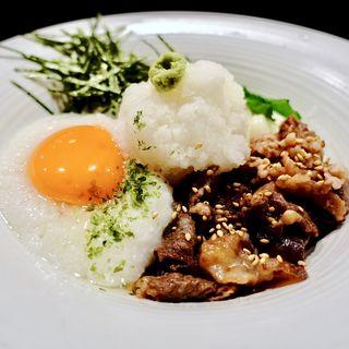 牛肉と白月見(とろろ)のぶっかけおうどん(冷)(大阪釆なりうどん きらく 阿倍野店 )