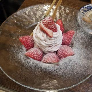 苺のモンブラン(銀座千疋屋)