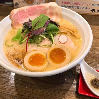 トリュフの薫り〜福島鶏白湯(味玉トッピング)(麺屋 信成 )