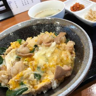 本日の定食 (丼)(牛もつ 虎鉄)