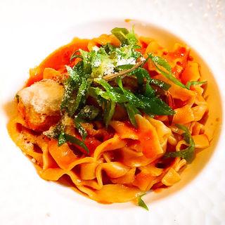 渡りガニと九条葱のトマトクリームソース タリオリーニ(ソッジョルノ)