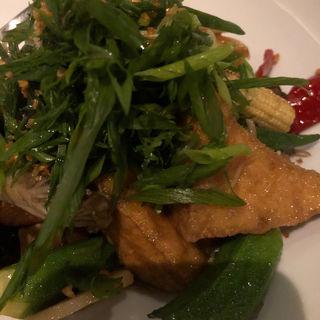 豆腐とキノコのタイ味噌炒め(Longrain)