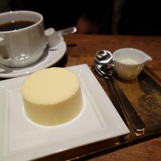 濃厚チーズプリン(cheese and BAR(チーズ アンド バー))