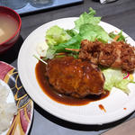定食(ハンバーグ+あんこうフライ)