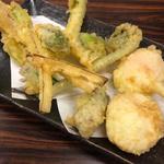 半熟卵の天ぷら & 野菜の盛り合わせ