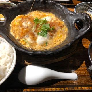 鶏かつ煮卵とじ(なかよし 並木橋店 )