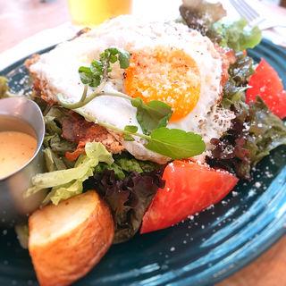 グリルチキンシーザーサラダ(RH CAFE MINATOMIRAI)