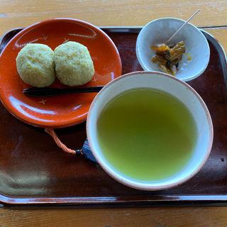 煎茶とずんだ餅(味処 双観山 )