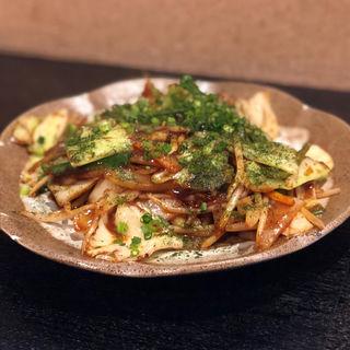 丸腸の野菜炒め(ひでちゃん居酒屋)