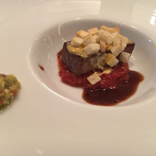 牛タンのフレンチ風カツレツ(黒毛和牛ステーキコース)(エンターテイメントグリル&バー「SHUN」)