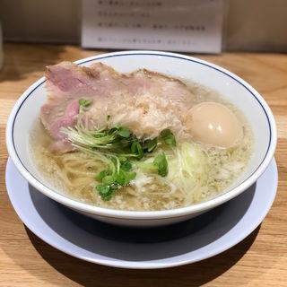 味玉塩らーめん(らーめん鱗 難波店)