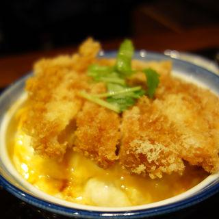 カツ玉丼(とんかつ わか葉)