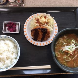 豚汁定食(マイ夢ガーデン138 (尾張一宮パーキングエリア(下り線)・スナックコーナー))