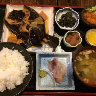 日替定食(カレイの煮付け)(蔵八 )
