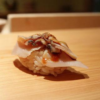 煮蛤(鮨さかい)