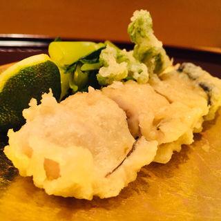 仙鳳趾産大牡蠣とタラの芽の天麩羅(料理 澤)