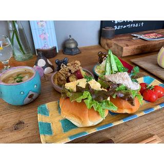パンの定食(うつわとごはん ヨリミチ)