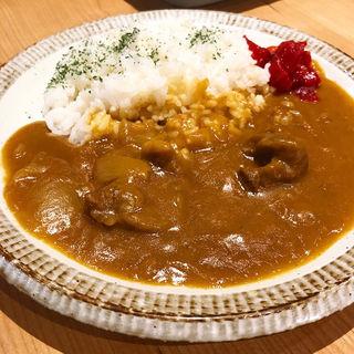 カレー(餃子と煮込み)