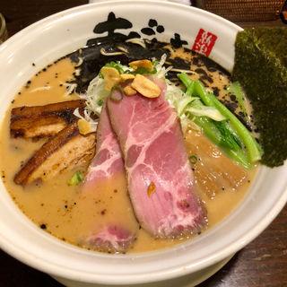 黒とんこつちゃーしゅー麺