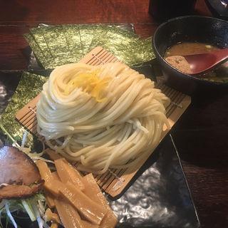 すするつけ麺(麺やすする)