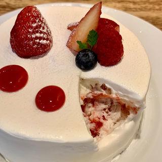 いちごとホワイトチョコレートのショートケーキ(セバスチャン)