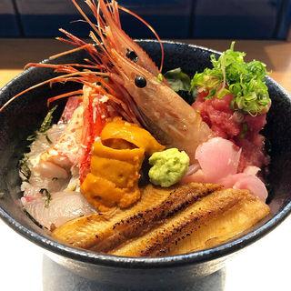 豪快海鮮丼(魚屋鮨しん)