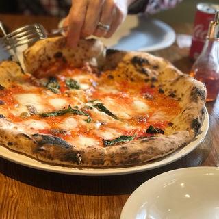 ピザ(LA PIZZA D'ORO)