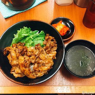 炭火焼肉丼 焼肉だれ 肉1人前(肉のヤマキ商店 大崎ニュー・シティ店)