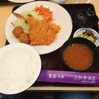 ミックス定食(銀座 梅林 本店)