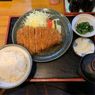 ロースかつ定食(ジャンボ300g)(とんかつ 美味小家 (うまごや))
