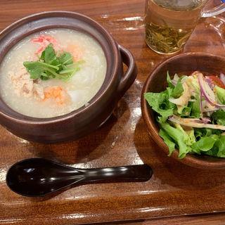 三種海鮮のお粥(おかゆと麺のお店 粥餐庁 KITTE博多店)