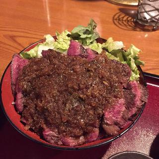 炭焼き炙り肉重(DININGあじと )