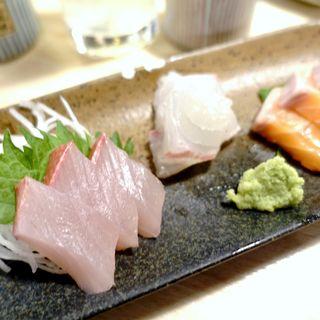 お造り3種盛り(立ち呑み天ぷら 魚漁 (タチノミテンプラ ギョギョ))