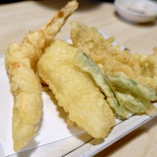 天ぷら5種盛り(立ち呑み天ぷら 魚漁 (タチノミテンプラ ギョギョ))