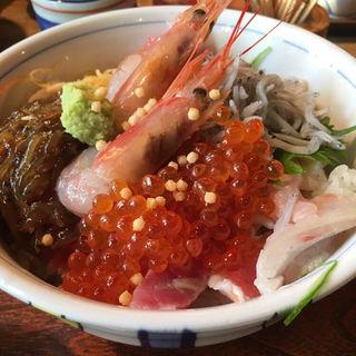 漁師丼(網元料理あさまる (あさまる))