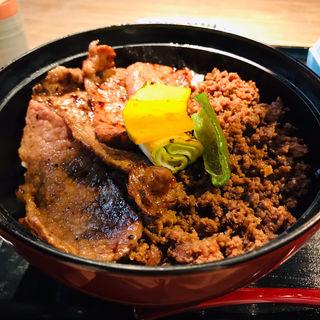 和牛そぼろカルビ丼セット(焼肉とみひさ)