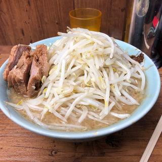 ぶた入り(ラーメン二郎 池袋東口店 (らーめんじろう))