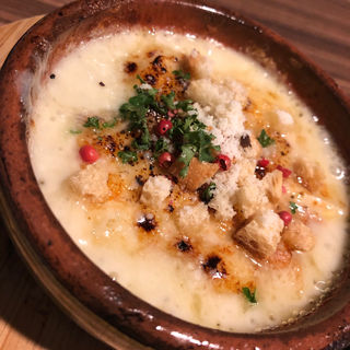 3種類のチーズとじゃがいもの濃厚グラタン(シーフード&スペインバル アスール)