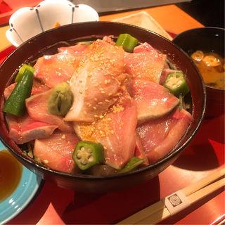 ぶり胡麻醤油漬け丼(青山 きくまさ )