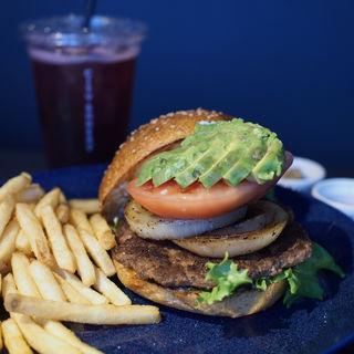 CB Burger (+アボカド)(THE CITY BAKERY 大阪茶屋町店)
