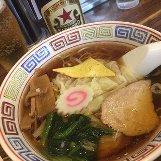 ワンタン麺とラガービール(萬福)