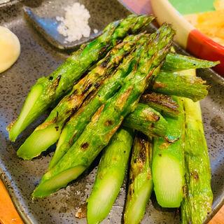 焼きアスパラガス(真面目焼鳥 助平 )