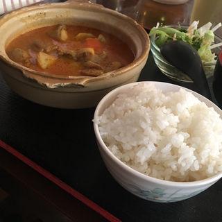 シンガポールチキンカレー飯(新 海南鶏飯)