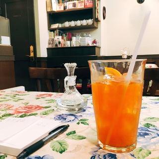オレンジ・アイスティー(前世喫茶 カフェ ローデストン)