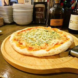 アンチョビとオレガノのガーリックピザ(パインテール2990 新宿歌舞伎町店 (PINE TALE))