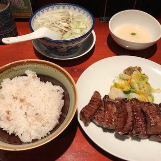 特切り厚焼定食+とろろ(味の牛たん 喜助 エスパル店 (きすけ))