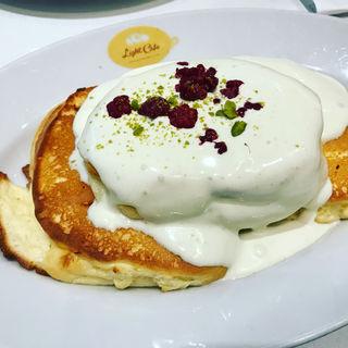 ピスタチオクリームのパンケーキ(ライトカフェ (Light Cafe))