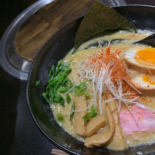 鶏白湯ラーメン(麺屋からから )