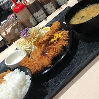 ロースカツ エビフライ定食